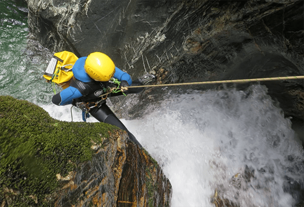 cross-creek-abseiling